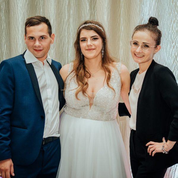 Para młoda i Planerka Ślubna