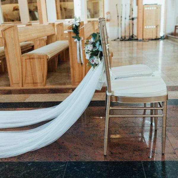 Krzesła Chiavari w Kościele