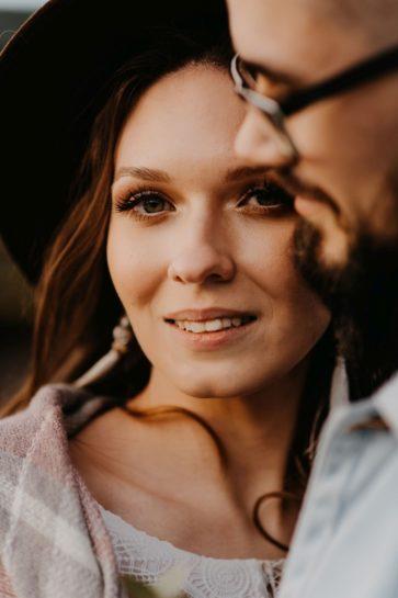 Portret uśmiechniętej Pary Młodej, What a lovely day Wedding Planner Poznań